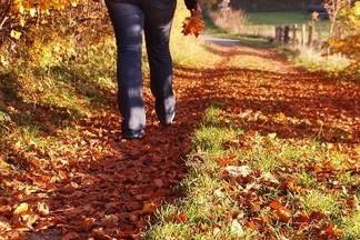 Медленная походка в 40-45 лет указывает на раннее старение организма?
